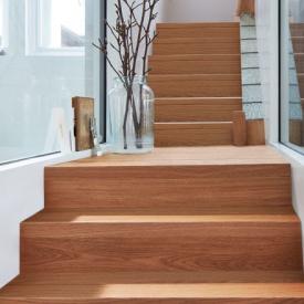 Lépcső burkolása laminált padlóval